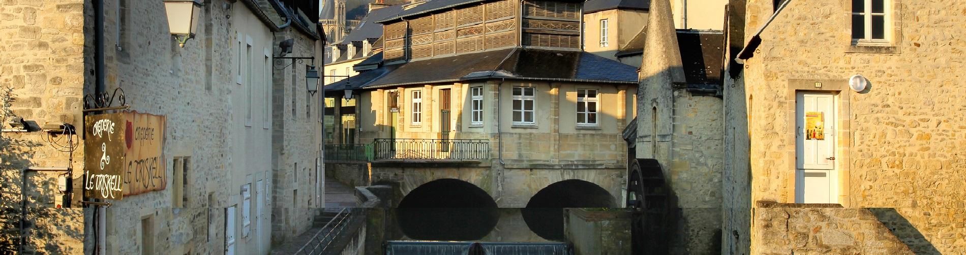 Parcs jardins et balades ville de bayeux for Piscine aure sole