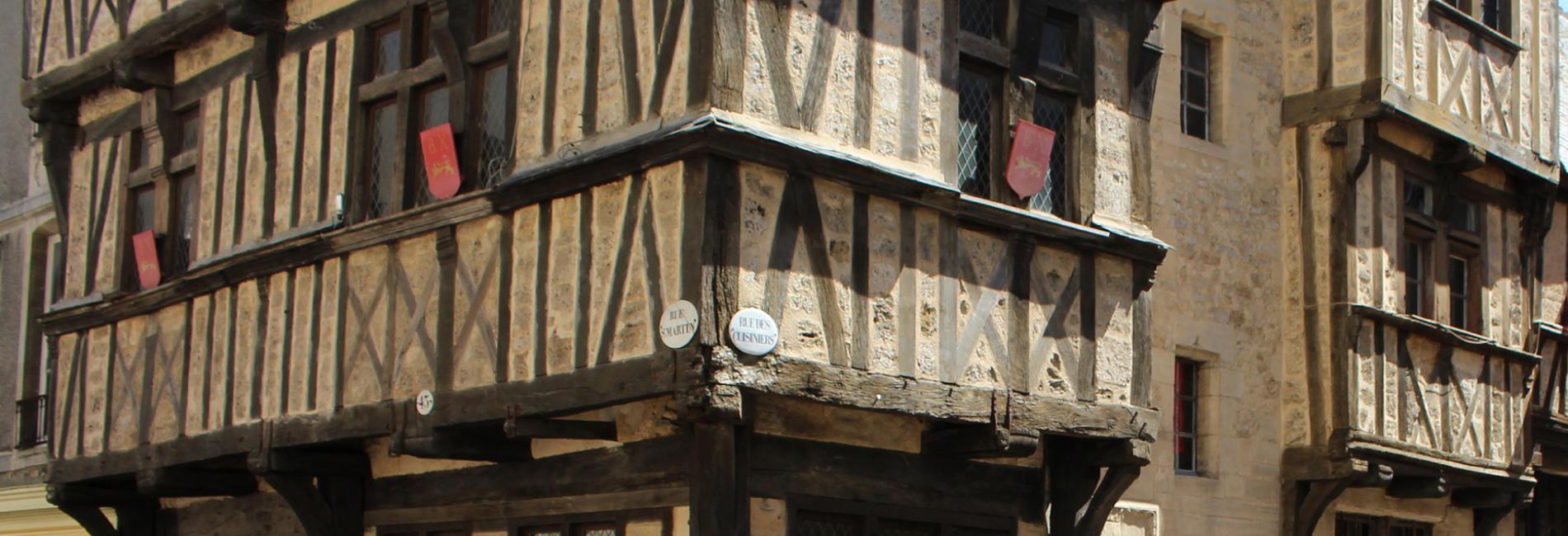 Bayeux Banner