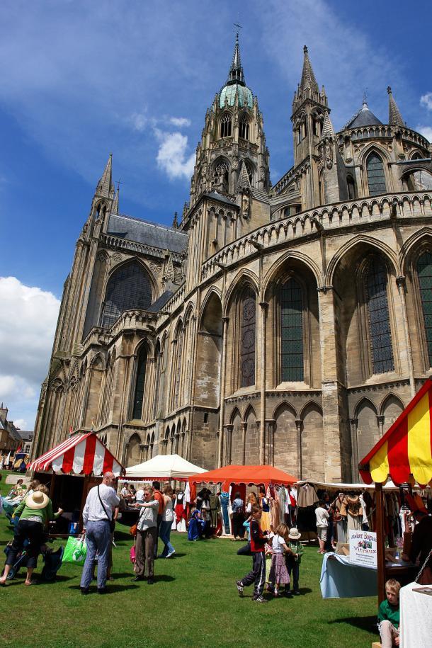 Marché médiéval à Bayeux