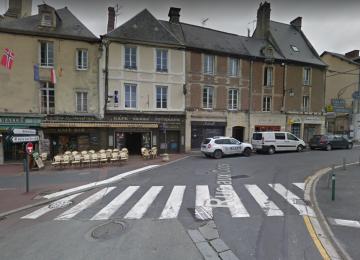 Carrefour rues Saint-Jean et rue aux Coqs Bayeux