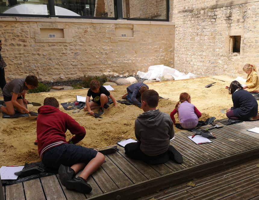 Ateliers pédagogiques dans les musées de Bayeux