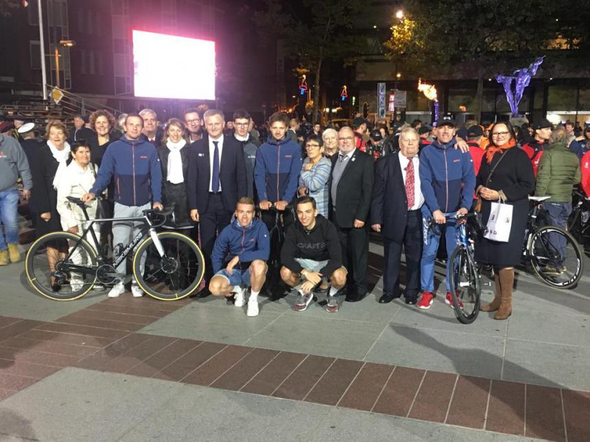 Les cyclistes de Bayeux et d'Eindhoven