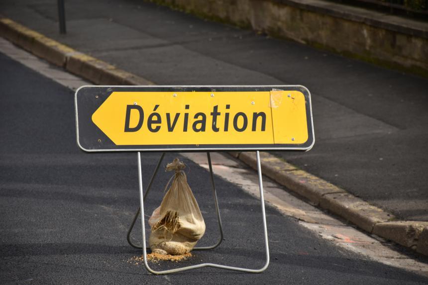 Panneau de déviation à Bayeux