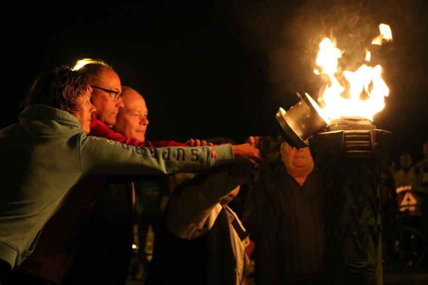 Allumage flamme de la liberté Bayeux Eindhoven © Florian Rochereuil
