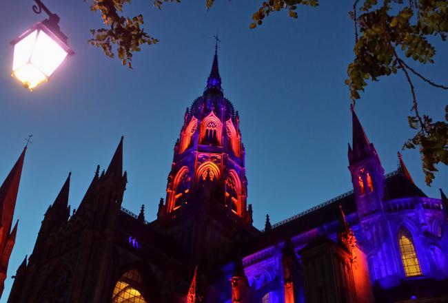 La Cathédrale Notre-Dame de nuit